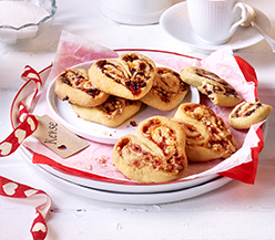 Shortcrust-pastry heart-shaped biscuits